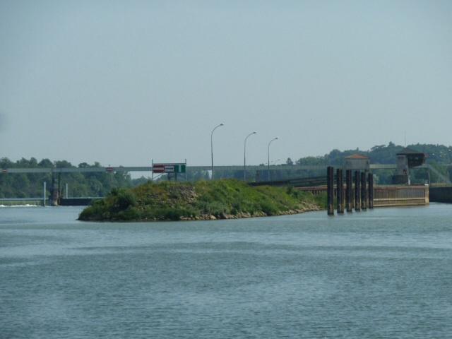 Massive Ormes Lock