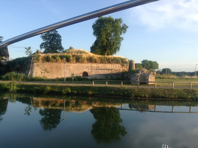 View from the back of the boat this evening. Auxonne is where Napolean did his military training and there still a big base here, right next to the marina in fact.