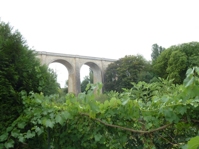 Viaduct in St Satur, on our walk back to St Thibauld