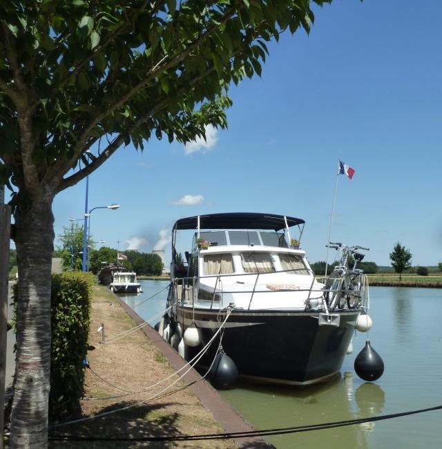 Mooring in Leré