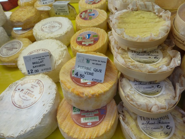 We bought one of these. Kind of like cream cheese. Nice in a baguette with some jambon!