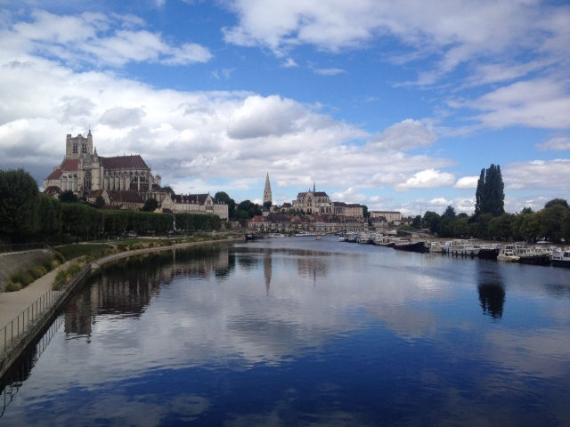 Yonne river with boat base on the right.