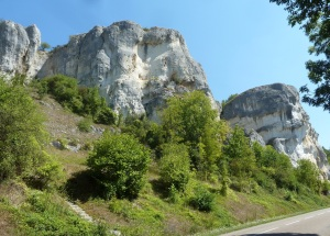 Saussois Rocks. This wall of limestone dominates the Yonne for 50m.