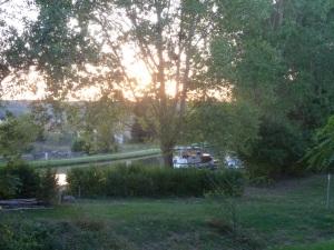 Lovely mooring spot. villagers-sur-Yonne