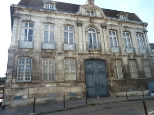 Hôtel Deschamps de Charmelieu is a private mansion built 1755-1760 on the site of the ancient priory Saint Eusèbe's granges for the lord of Saint-Bris and Auxerre county tax collector, a very malevolent character that everyone despised. The architecture is Classical.
