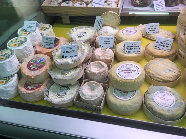 Raw milk farm cheeses