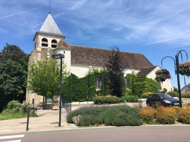 St Pierre church, Cheny.