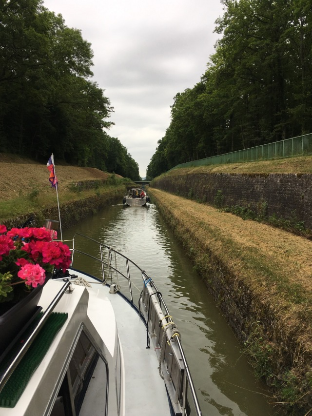 Narrow cutting