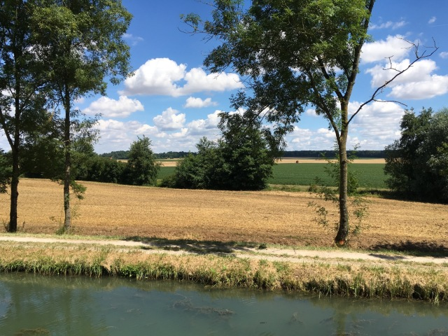 Agricultural scenery on the canal between Dijon and the Saône river.