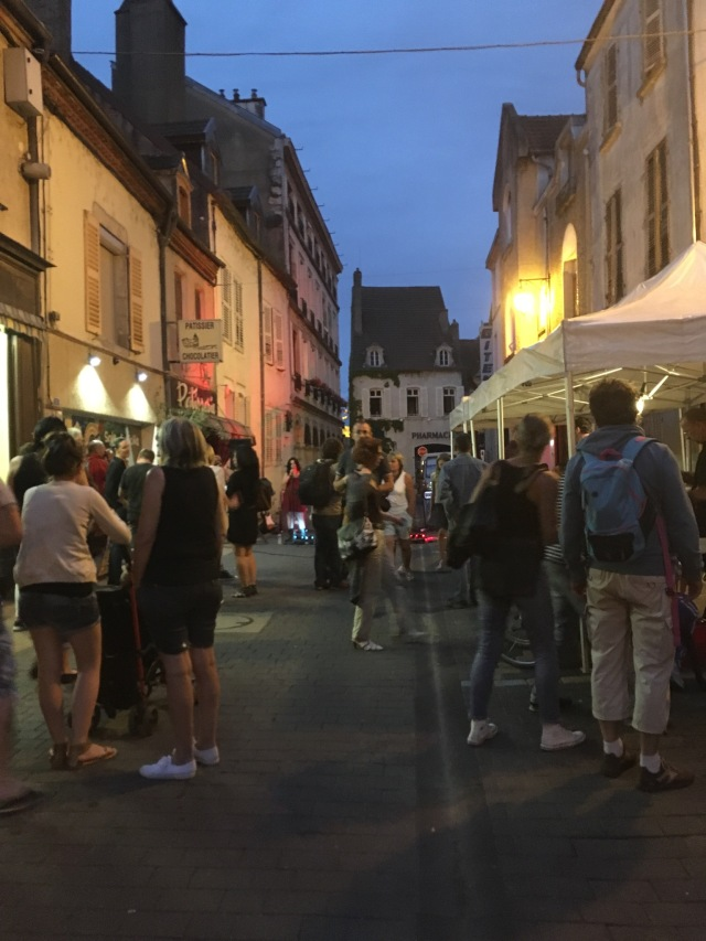 Live music on the streets of St Jean de Losne.